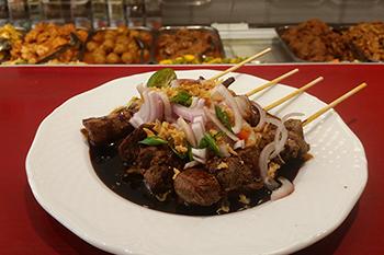 Lekker eten in amstelveen - Toko Madjoe